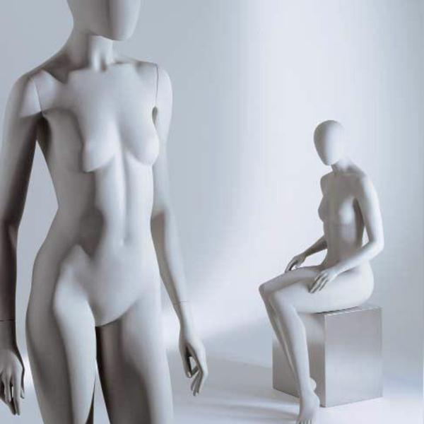 Weibliche Schaufensterpuppen von Ästhetik & Design by Holger Kressin