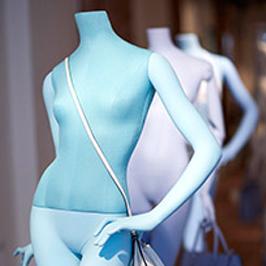 Schaufensterpuppen mit Accessoires von Ästhetik & Design by Holger Kressin